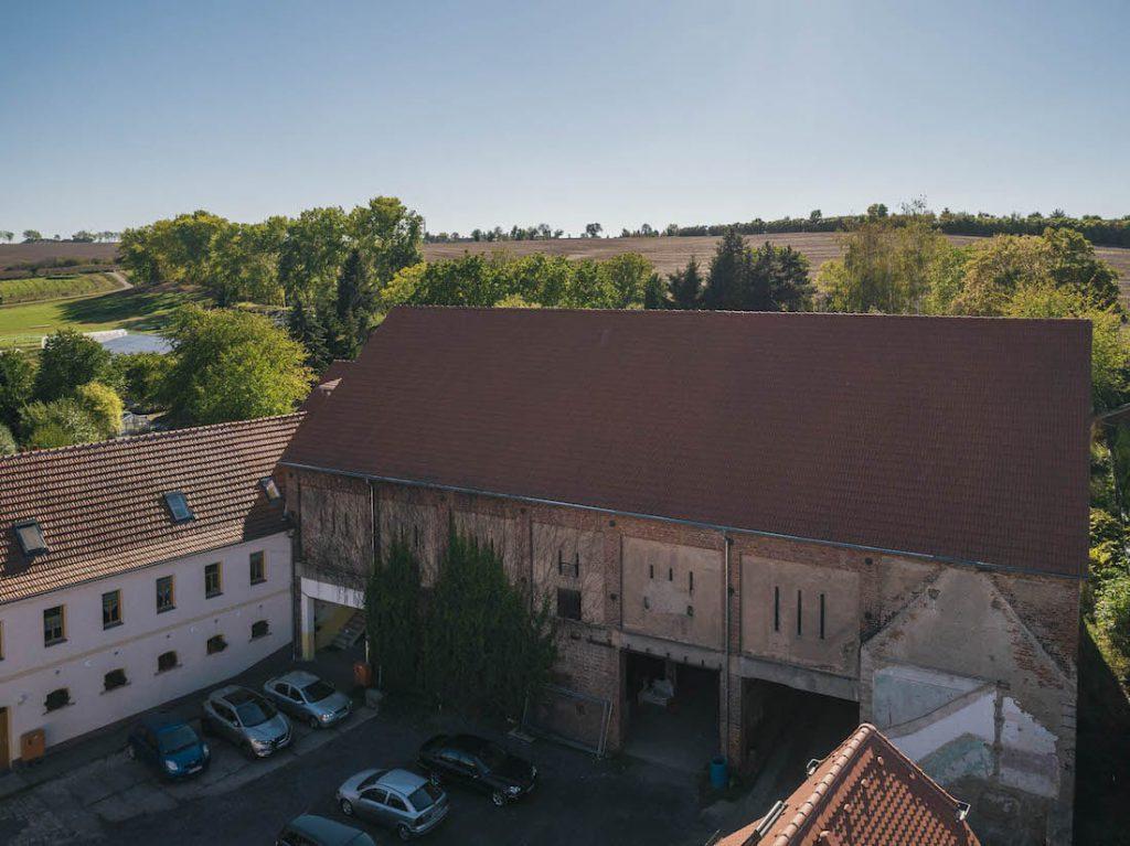 MGH-Burtschuetz-201809-Luftbild-alte-Scheune-vom-Hof-aus