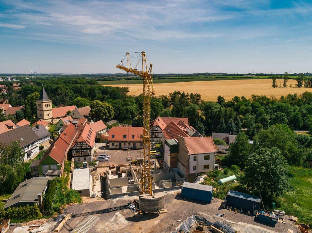 MGH-Burtschuetz-201906-Luftbild-Hof-Baustelle-Kran