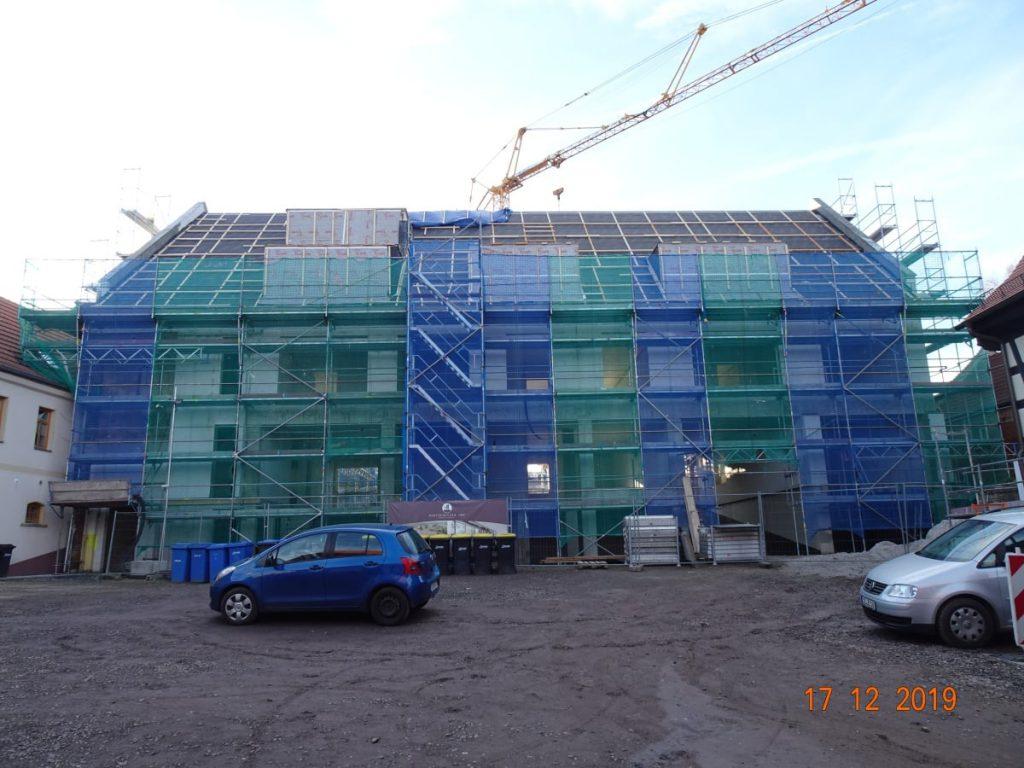 MGH Burtschuetz-201912 - Baufortschritt Neue Scheune vom Hof aus